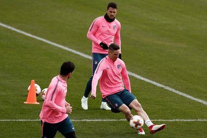 Simeone convoca a 22 jugadores para la vuelta de cuartos de final en Lisboa