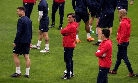 El Sevilla se recluye lejos del bullicio a la espera del partido