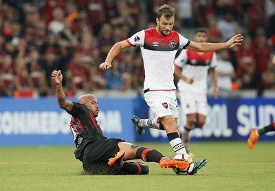 3-0. Atlético Paranaense golea a un Newell´s Old Boys con semblante de crisis