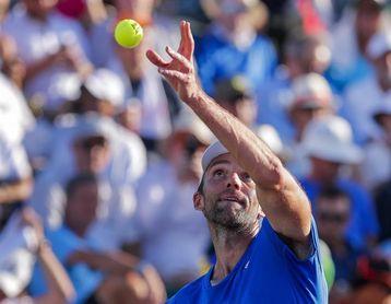 Karlovic, 39 años, vence a Kyrgios y pasa a semifinales; eliminado Isner