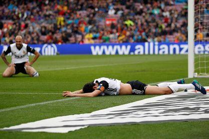 El Valencia cierra su racha de 9 partidos sin perder con el 2-1 del Camp Nou