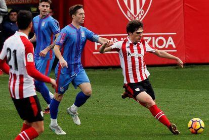 Iñigo Córdoba amplía su contrato con el Athletic hasta 2022