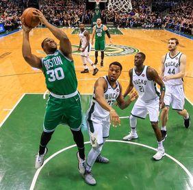 116-92. Bucks encuentran su mejor defensa y logran primer triunfo