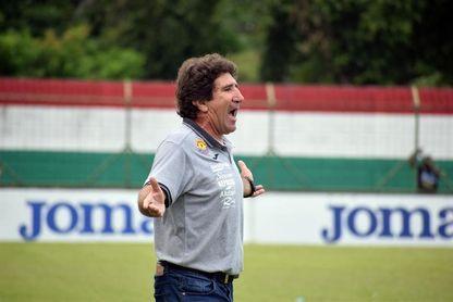 El entrenador argentino Héctor Vargas renueva su contrato con el Marathón