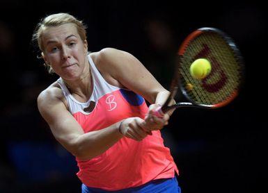 Garbiñe Muguruza, lesionada en la espalda, se retira ante Pavlyuchenkova