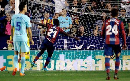 5-4. Un inmenso Levante acaba con la condición de invicto del Barça