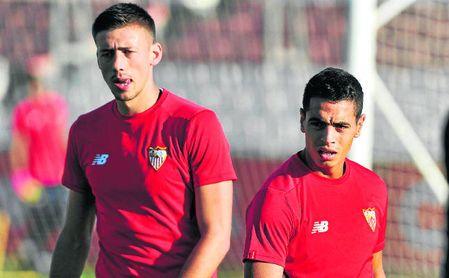 """Lenglet, """"molesto"""", niega un acuerdo con el Barça"""
