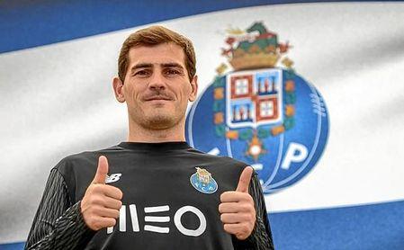 Casillas seguirá un año más, al menos, en la liga portuguesa.