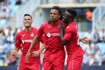 Rémy, de penalti, le dio los tres puntos al Getafe CF.