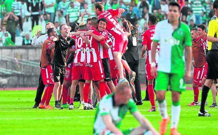 El Aves celebra su triunfo ante el Sporting en la Copa portuguesa.