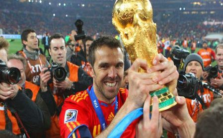Marchena alza la copa como campeón del Mundial
