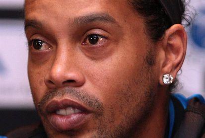Ronaldinho Gaúcho se casará con dos mujeres en agosto, según un diario