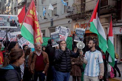 Protestan frente a la AFA para que se cancele el amistoso de Argentina en Israel