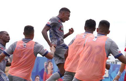 Emelec y Barcelona empatan el clásico de Ecuador y Liga saca provecho