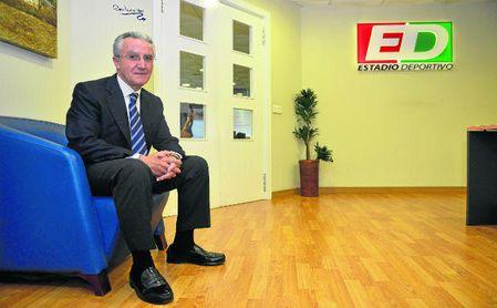 Eduardo Arenas, portavoz de Accionistas Unidos, posa en la redacción de ESTADIO Deportivo.