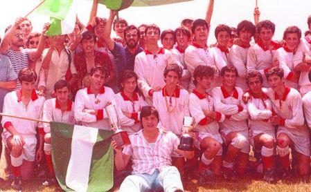Los cadetes del Sevilla F.C. de rugby levantaron el título tras superar la fase provincial, la andaluza y, por último, el Campeonato de España.