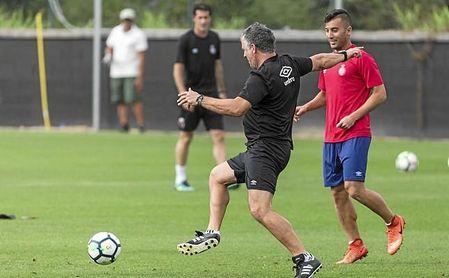 Jordi Guerrero, junto a Borja García, en un entrenamiento del Girona.