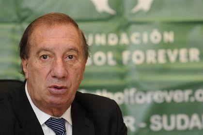 """Carlos Bilardo se recupera tras operación cerebral"""""""