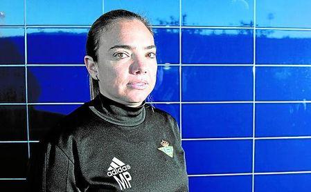 La máxima responsable del Betis Féminas a nivel deportivo, María del Mar Fernández ´Pry´, posa para ESTADIO.