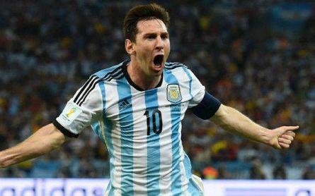 Leo Messi celebra un gol con la selección albiceleste.