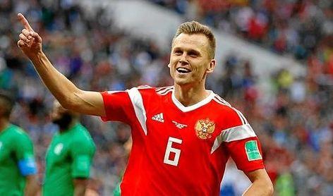Chéryshev celebra uno de sus tantos frente a Arabia Saudí.