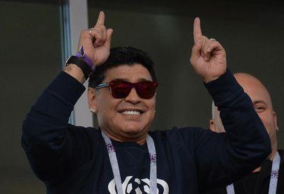 """Maradona critica a Sampaoli y dice que jugando así """"no puede volver a Argentina"""""""