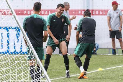 Ronaldo, con el grupo en el entrenamiento previo al duelo ante Marruecos