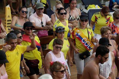 El ruido y el júbilo se toman Bogotá tras el triunfo de Colombia ante Polonia