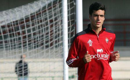 Mikel Merino durante un entrenamiento con el Osasuna, club donde se formó.