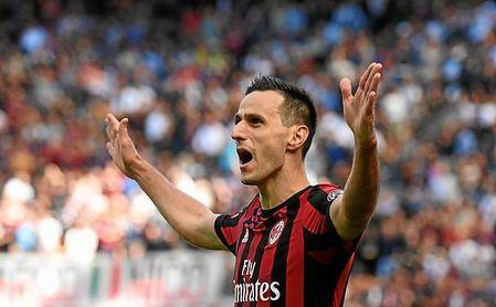 Kalinic celebra un gol con el Milan.