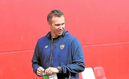 Luci Martín, conocido por acompañar a Joaquín Caparrós como segundo entrenador, toma ahora las riendas del filial.