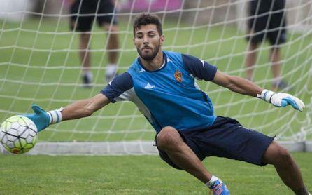 Álvaro Ratón durante un entrenamiento con el Real Zaragoza.