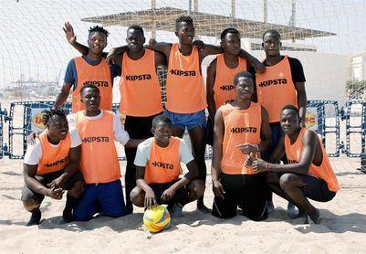 Un equipo con jugadores migrantes del Aquarius debuta en el torneo de Valencia