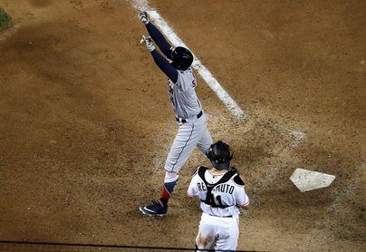 6-8. La Liga Americana gana el Juego de las Estrellas, que registra 10 jonrones