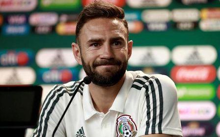 El mexicano Miguel Layún se incorpora este viernes a los entrenamientos