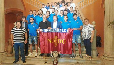 El Torreblanca fue homenajeado en el Ayuntamiento de Sevilla