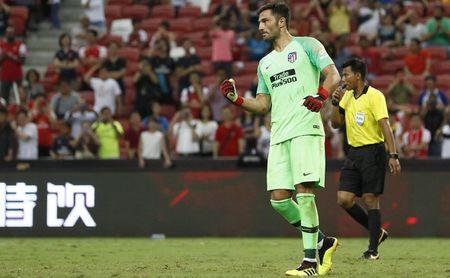 Adán, exguardameta bético, debutó con el Atleti deteniendo tres penaltis.