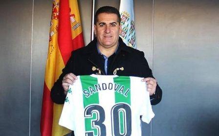 Sandoval con la camiseta del Córdoba.