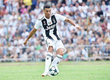 Cristiano Ronaldo debuta con el Juventus y marca su primer gol
