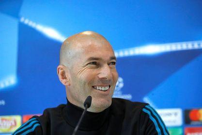 "A Zidane le seduce la idea de entrenar al Manchester Utd., según ""L´Équipe"""