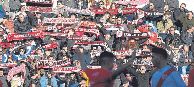 Vallecas recibe al Sevilla con la alfombra roja