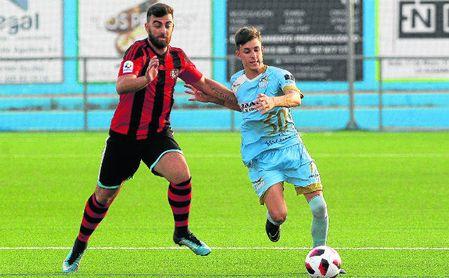 El gerenense Rioja, autor de seis goles este verano, en el amistoso contra el Algabeño.