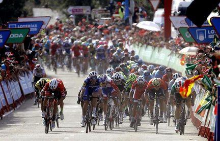 La Vuelta y Movistar buscan líder en la última semana