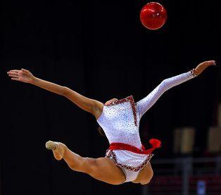 La rusa Dina Averina encadena su segundo título mundial consecutivo