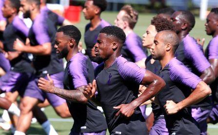 Tottenham y Liverpool pugnan esta jornada por el título de aspirante