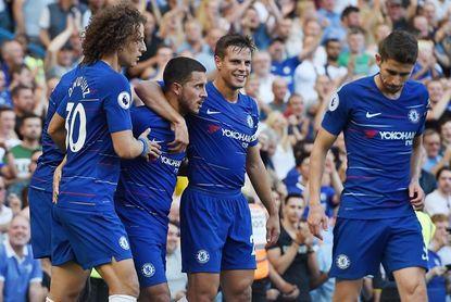 Hazard comanda la goleada del Chelsea y Özil guía al Arsenal