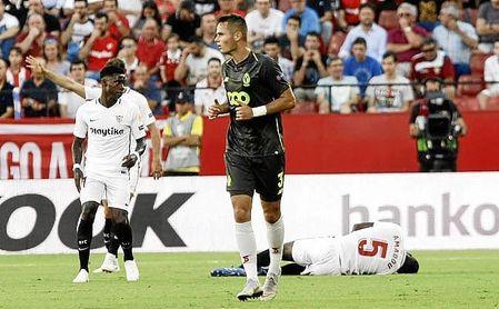 Amadou tuvo que ser reemplazado en la primera parte, al caer lesionado.