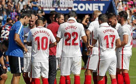 El calor mermó a los dos equipos durante el Sevilla-Levante.