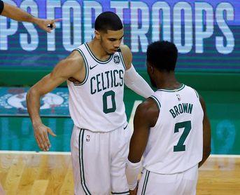 105-87. Tatum encabeza exhibición de Celtics ante Sixers en partido inaugural