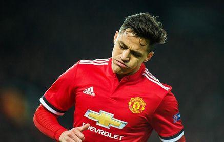 Carragher: La situación de Alexis en el Manchester es como la de Torres en el Chelsea